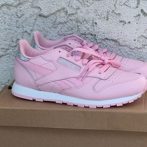 Reebok Shoes - Reebok classic leather pastel girl shoes